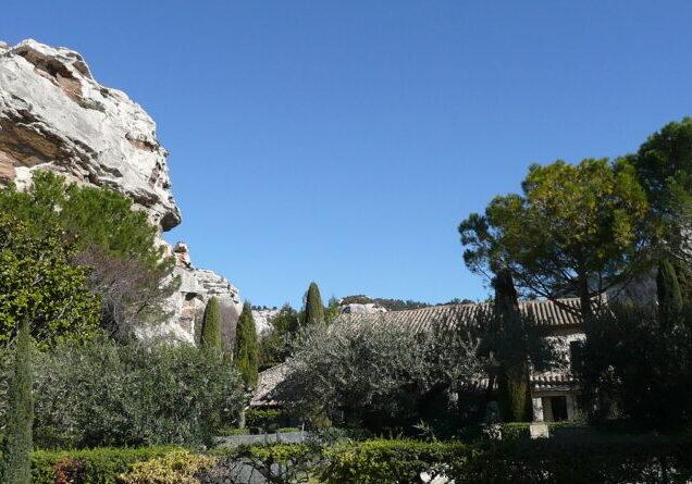 1280px-Les_Alpilles_près_des_Baux_de_Provence_4