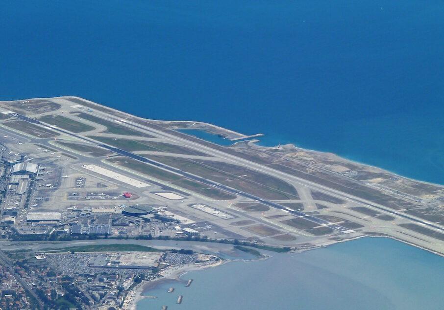 Aeroport_nice_vue_aerienne kopie