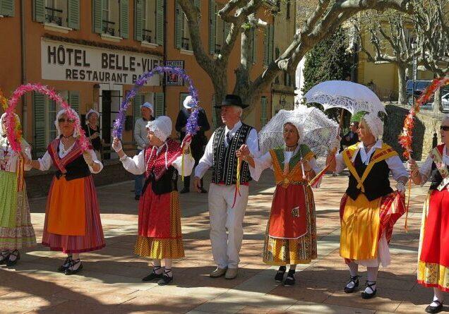 Bormes-les-Mimosas_-_Dance_of_Provence_5
