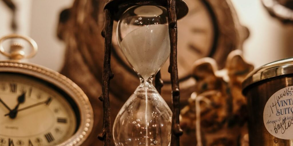 antique_classic_clock_countdown_deadline_glass_hourglass_indoors-1558069.jpg!d