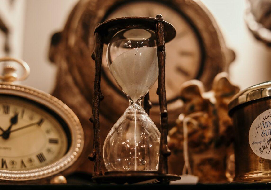 antique_classic_clock_countdown_deadline_glass_hourglass_indoors-1558069.jpg!d