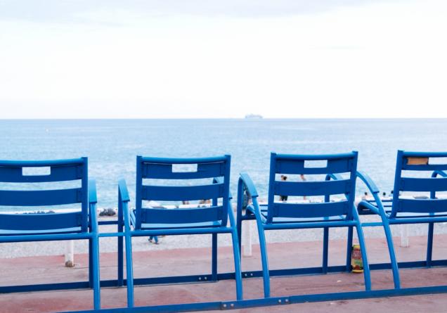 blauwe stoeltjes