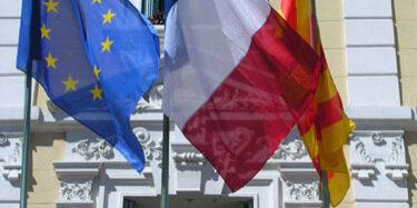 drapeau-provence-mairie
