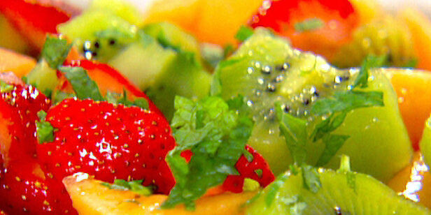 EK0411_Radiance-Fruit-Salad_lg