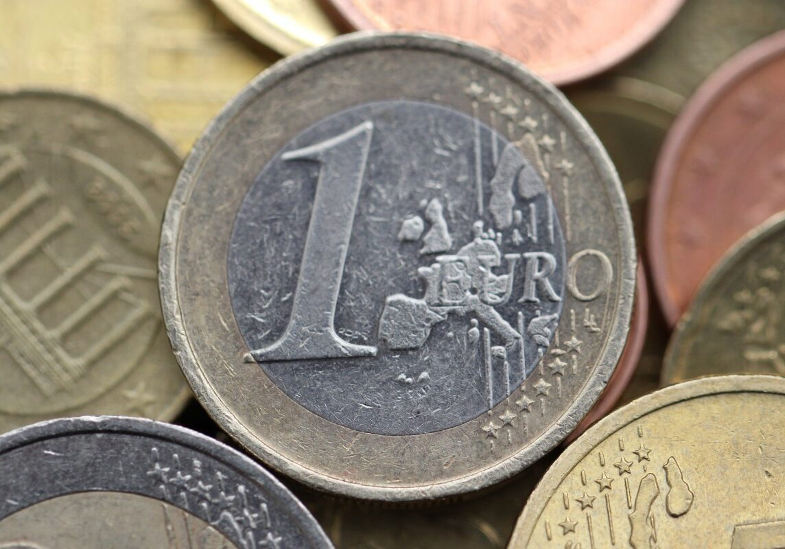 euro_money_currency_business_cash_metal_banking_bank-884716.jpg!d