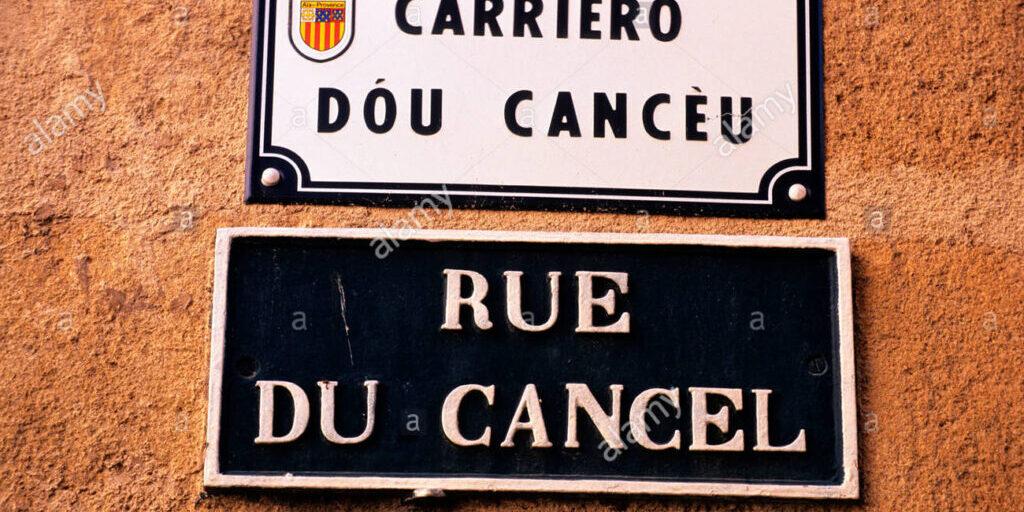 france-bouches-du-rhone-aix-en-provence-le-nom-des-rues-en-langue-provencale-c1h6g9