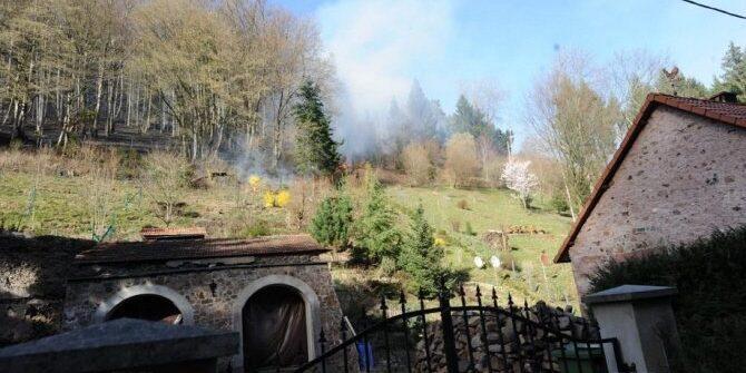 les-flammes-ont-progresse-sur-un-front-de-plusieurs-centaines-de-metres-photo-dna-jsa