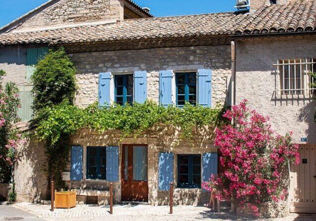 saint-remy-de-provence-4706832_960_720