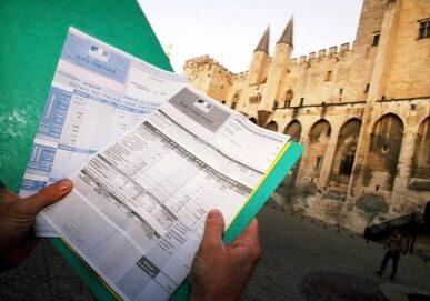 Illustration sur la fiscalité locale en  Avignon Ci-contre la taxe foncière et la taxe d'habitation   FAIT DU JOUR + PHILIPPE