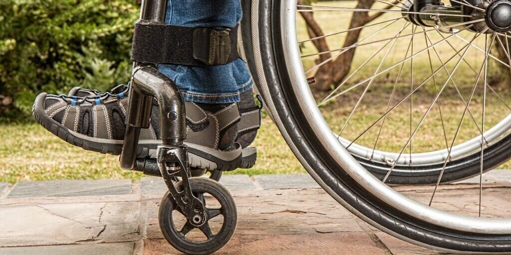 wheelchair-1595802_1280